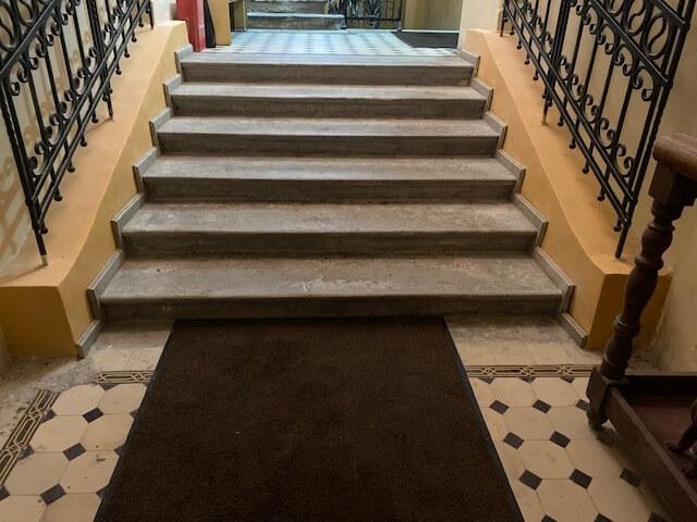 Реставрация лестницы из Путиловского известняка