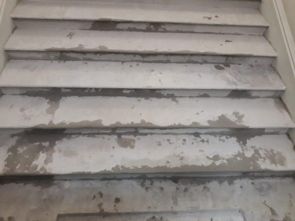 Реставрация ступеней из известняка в БЦ Гелиос